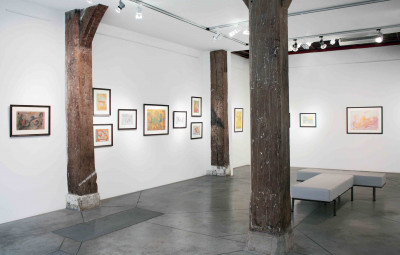 Vue de l'exposition *Henriette Zéphir : une femme sous influence*, christian berst art brut, Paris, 2011. - © christian berst art brut, christian berst — art brut