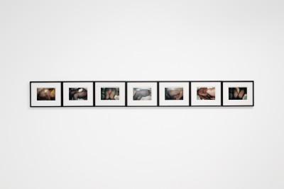 Vue de l'exposition *le fétichiste : anatomie d'une mythologie*, christian berst art brut, Paris, 2020 - © christian berst art brut, christian berst — art brut