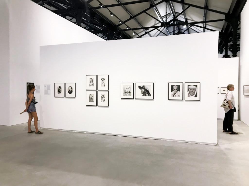 vue de l'exposition *Photo Brut : collection Bruno Decharme & cie*, Rencontres d'Arles, Mécanique Générale, Arles, 2019 - © christian berst — art brut