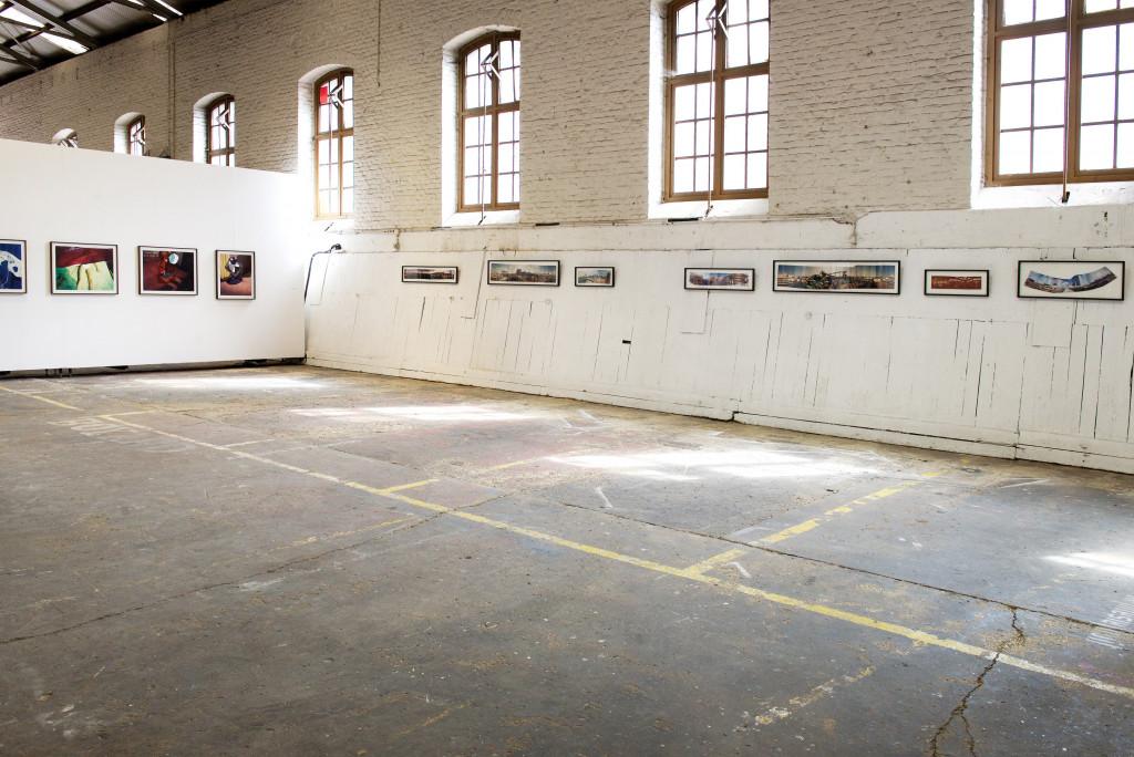 Vue de l'exposition *Biennale internationale de la photographie*, Biennale de l'Image Possible, Liège, Belgique, 2016. - © Biennale de l'image possible, photo: Muriel Thies, christian berst — art brut