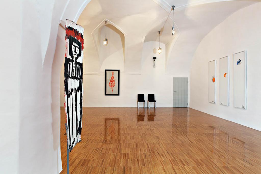 Vue de l'exposition *Living in Art Brut*, 123 oeuvres de la Collection the Hannah Rieger, Museumkrems, Autriche, 2017. - © Museumkrems, photo: Maurizio Maier, christian berst — art brut