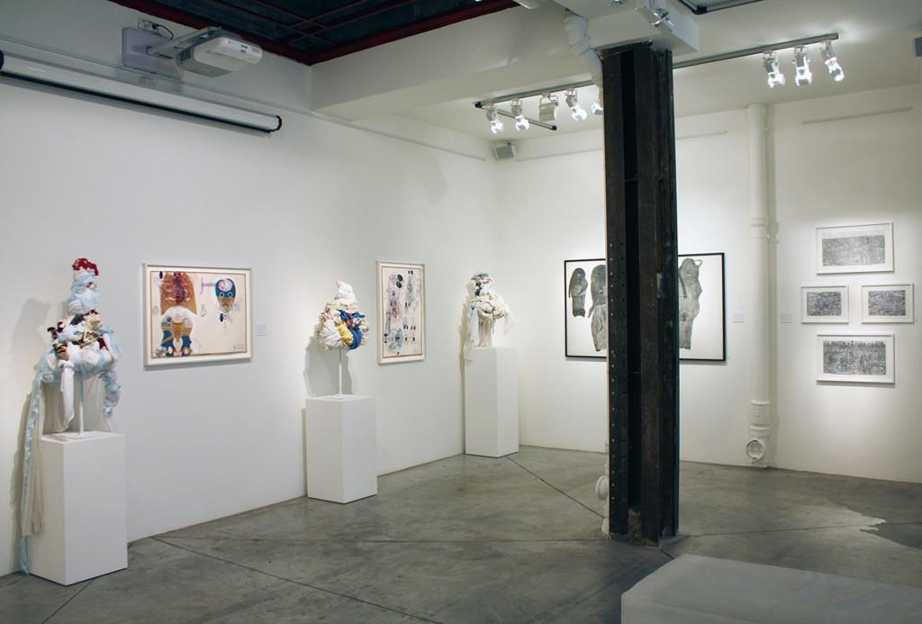 Vue de l'exposition *Rentrée Hors les Normes*, christian berst art brut, Paris, 2012. - © christian berst art brut, christian berst — art brut